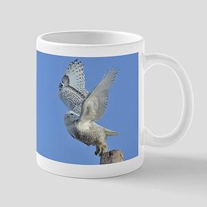 Snowy taking off Mug