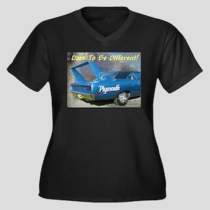 """""""Superbird"""" Women's Plus Size V-Neck Dark T-Shir"""