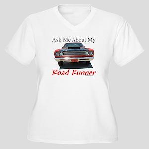 Road Runner Women's Plus Size V-Neck T-Shirt