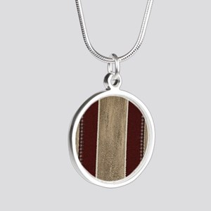 WESTERN PILLOW  40 Silver Round Necklace