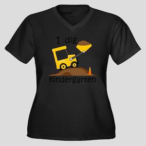 I Dig Kinder Women's Plus Size V-Neck Dark T-Shirt