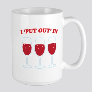I put out in three wine glasses red Mugs
