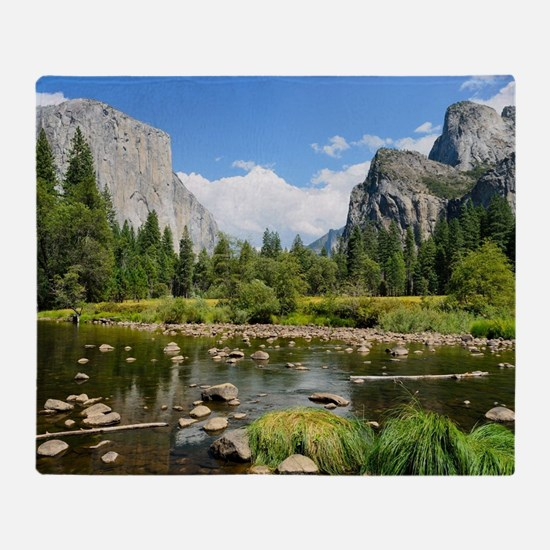 Valley View in Yosemite National Par Throw Blanket