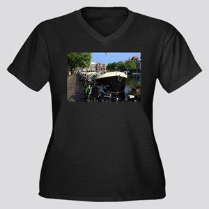 Barge and bicycles, Amsterdam Plus Size T-Shirt
