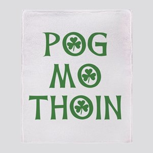 Pog Mo Thoin Shamrock Throw Blanket