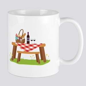 Picnic Table Basket Wine Mugs