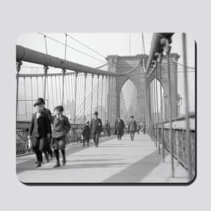 Brooklyn Bridge Pedestrians Mousepad