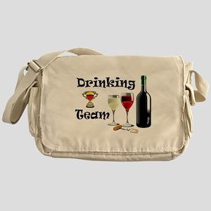 DRINKING TEAM Messenger Bag