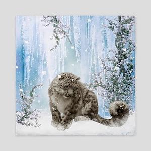 Wonderful snowleopard, winter landscape Queen Duve