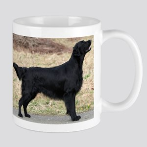 flat coated retriever black full Mugs