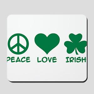Peace love irish shamrock Mousepad