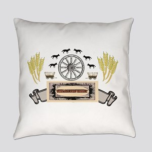 golden willamette valley Everyday Pillow