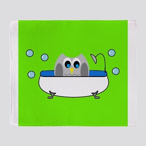 Owl In Tub (Green) Throw Blanket