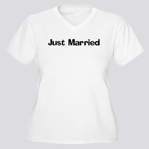 Just Married Women's Plus Size V-Neck T-Shirt