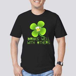 Drinks Well with Other Men's Fitted T-Shirt (dark)
