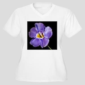 Blue Macro Flower Women's Plus Size V-Neck T-Shirt