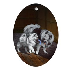 Keeshond Playtime Oval Ornament
