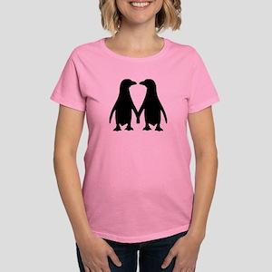 Penguin couple love Women's Dark T-Shirt