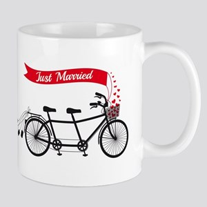 Just married, wedding tandem bicycle Mugs