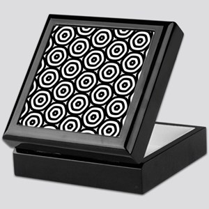 Circle Pattern Keepsake Box