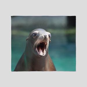 Roaring Sea Lion Throw Blanket