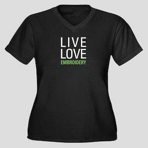 Live Love Em Women's Plus Size V-Neck Dark T-Shirt