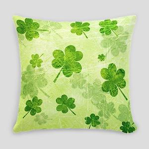 Green Shamrock Pattern Everyday Pillow