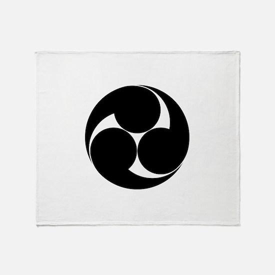 Three clockwise swirls Throw Blanket