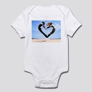 Dachshund Love Heart Infant Bodysuit