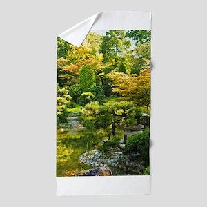 Japanese garden, early autumn Beach Towel