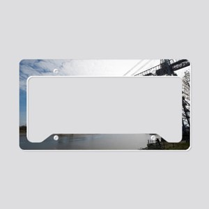 Span of the Newport Transport License Plate Holder