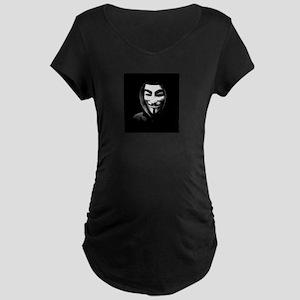 Guy Fawkes in a Sweatshirt Maternity T-Shirt