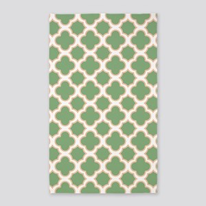 Quatrefoil Pattern Green and Peach 3'x5' Area Rug