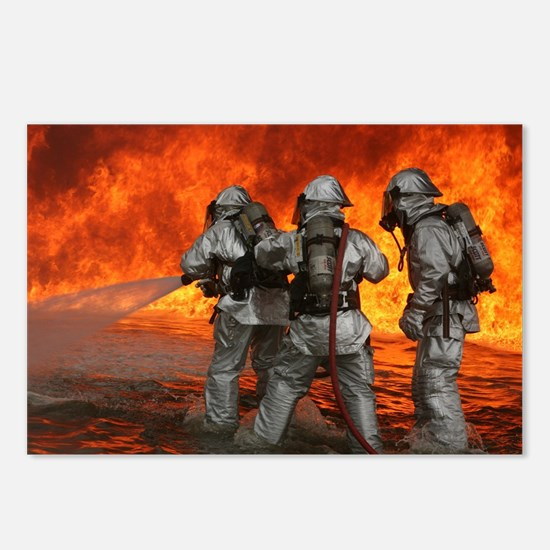 3 Firefighters fighting a Postcards (Package of 8)
