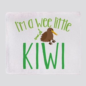 Im a wee little kiwi (New Zealand map) Throw Blank