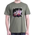 Orquidea Cattleya Trianae Dark T-Shirt