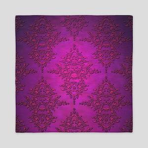 Vibrant Elegant Pink and Purple Damask Pattern Que