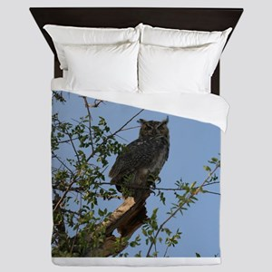 Great Horned Owl Staring Queen Duvet