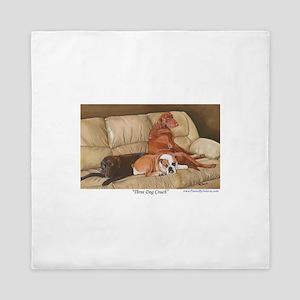 Three Dog Couch a shirt Queen Duvet