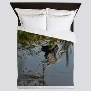 Great Blue Heron Takes Flight Queen Duvet