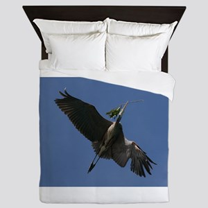 Great Blue Heron Flying Queen Duvet