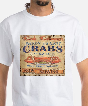 vintage crab woodgrain beach art T-Shirt