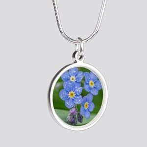 forget-me-not Silver Round Necklace