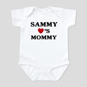 Sammy loves mommy Infant Bodysuit