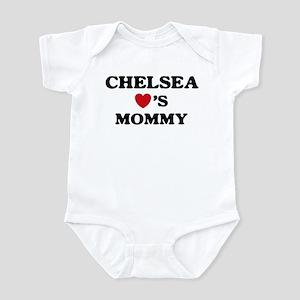 Chelsea loves mommy Infant Bodysuit