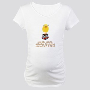 library chick Maternity T-Shirt