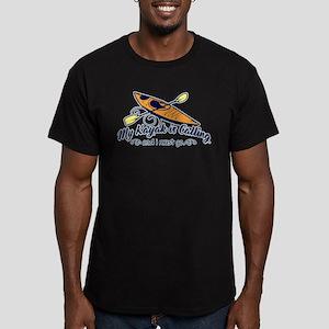 My Kayak Is Calling Men's Fitted T-Shirt (dark)