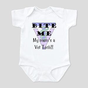 Infant Bodysuit - Mom Vet Tech