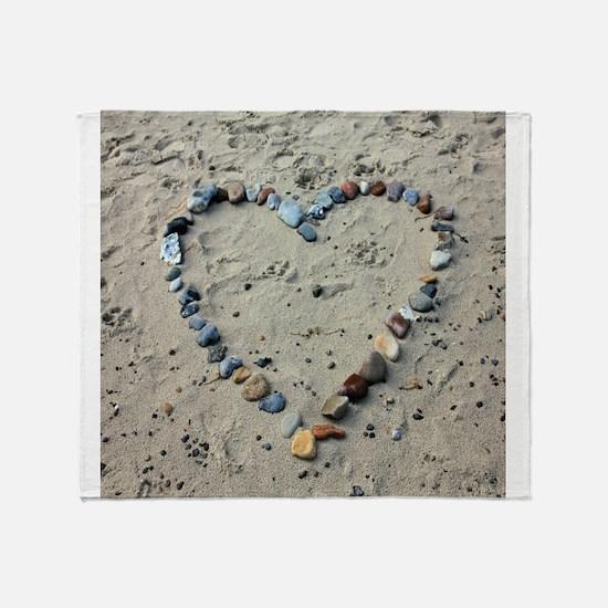 Beach heart Throw Blanket
