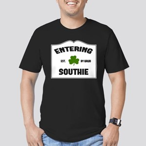 Entering Southie Men's Fitted T-Shirt (dark)